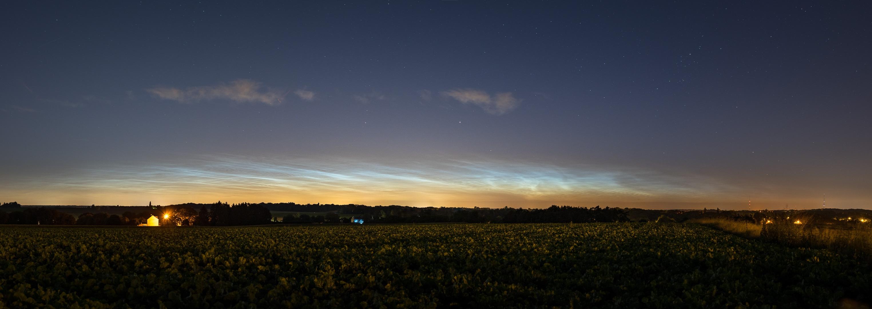 nuages noctiluques et voie lactée 122643-1529490337