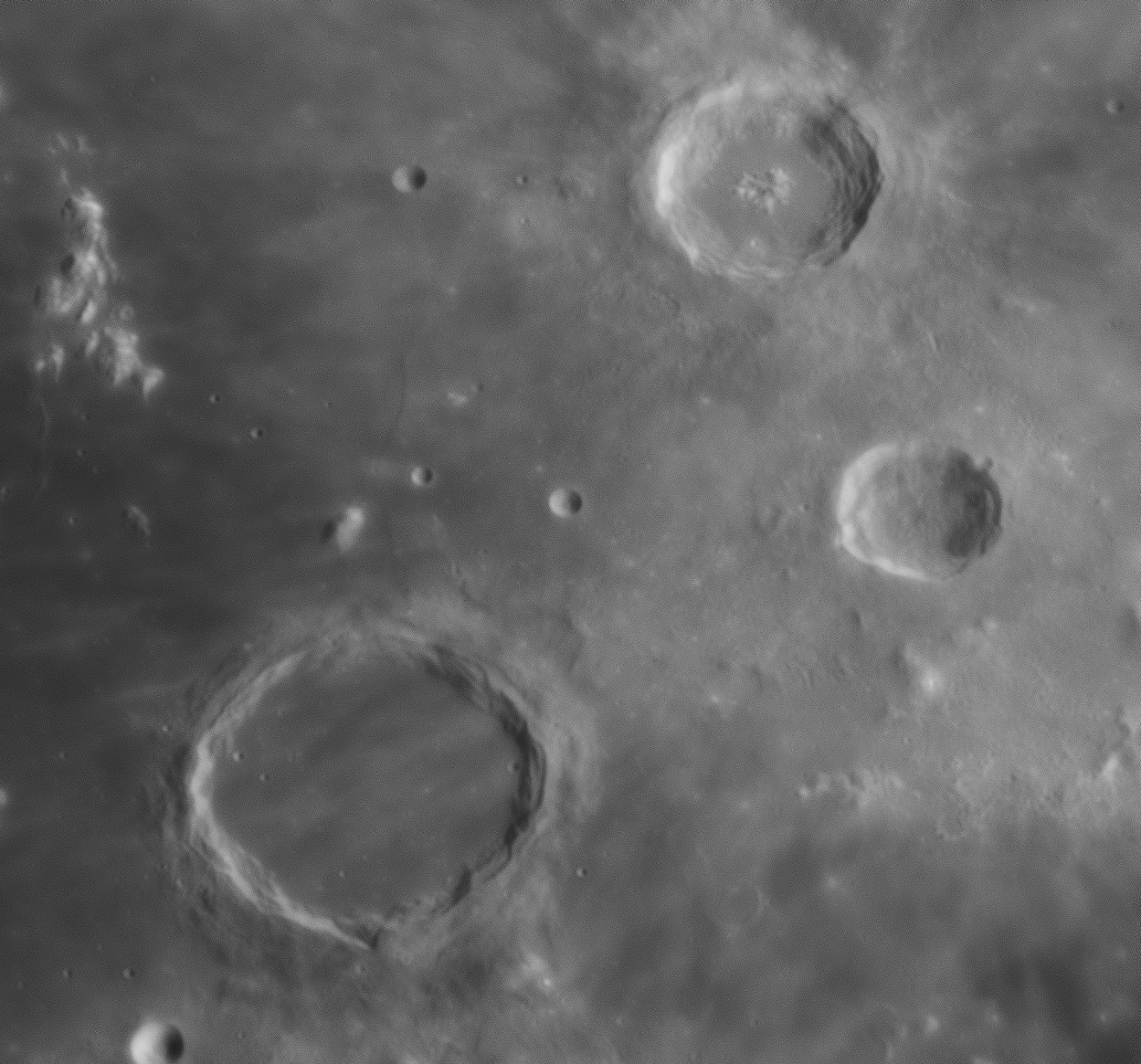 Gros plans lunaires 122643-1550684086