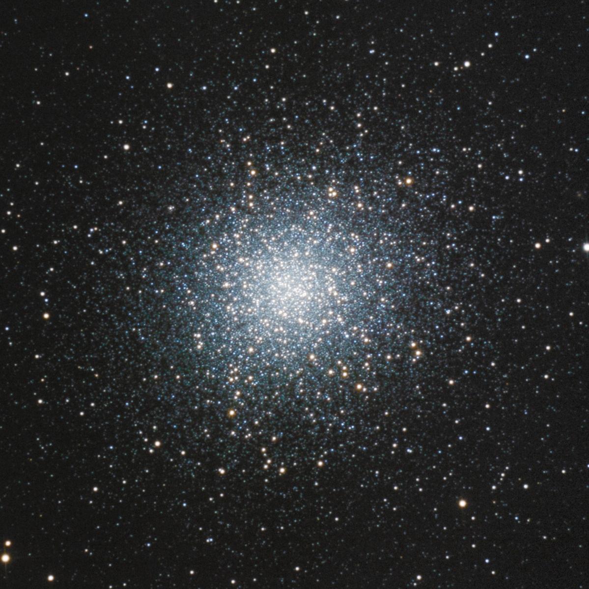 M13 : des étoiles plein les yeux 122643-1558806137