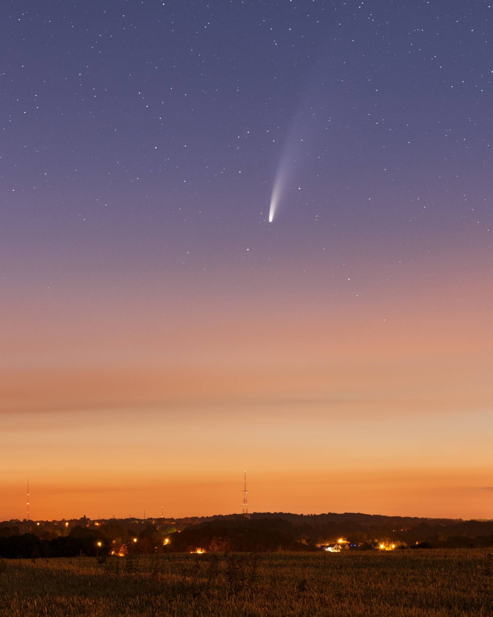 Comète Neowise au 135mm et NLC 122643-1595246636