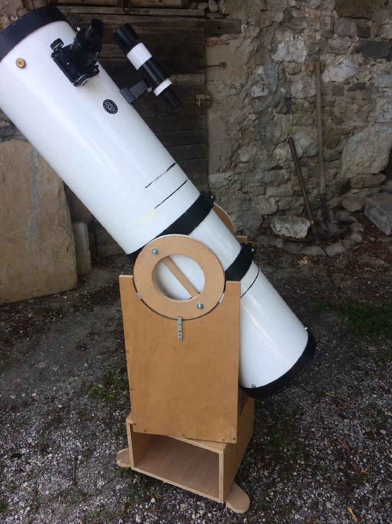 254/1200 Orion Optics monture Dobson maison