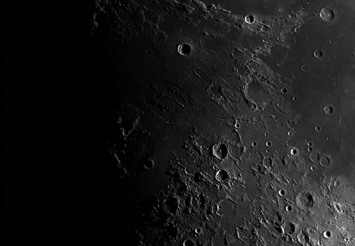 Lune du 20/06/2018 au T400 + T7 Astro + 610nm - gros plan