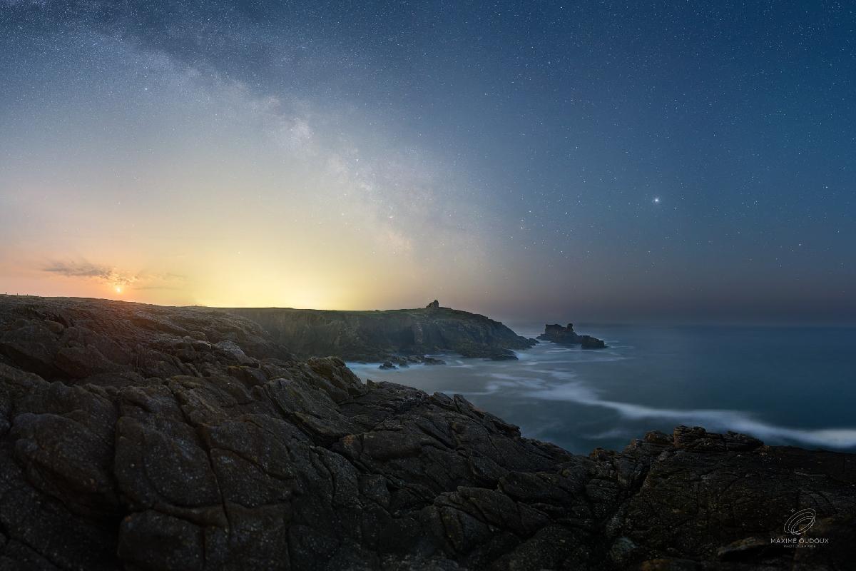 Lever de Lune et de Voie Lactée au dessus de Quiberon