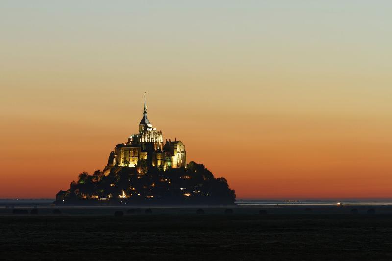 Eclipse au Mont Saint Michel - 22h01