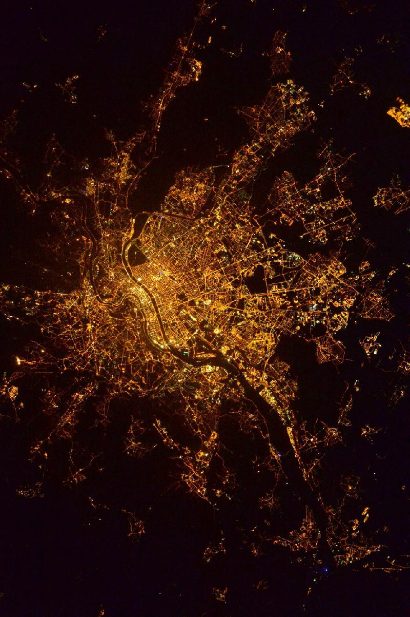 Lyon by night depuis la station ISS