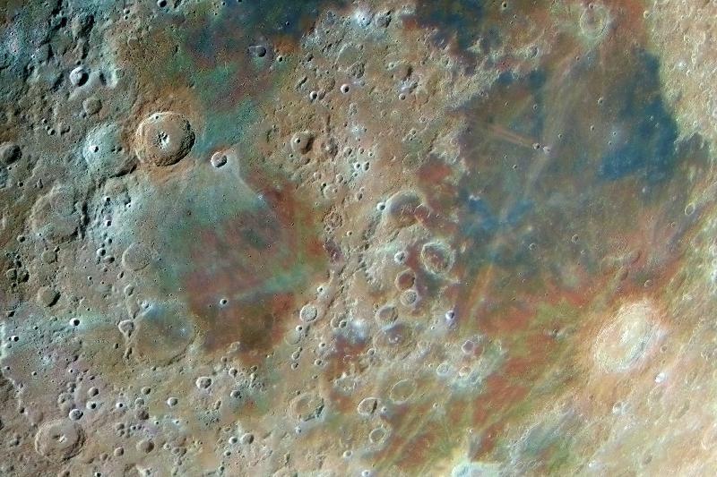 Lune couleur