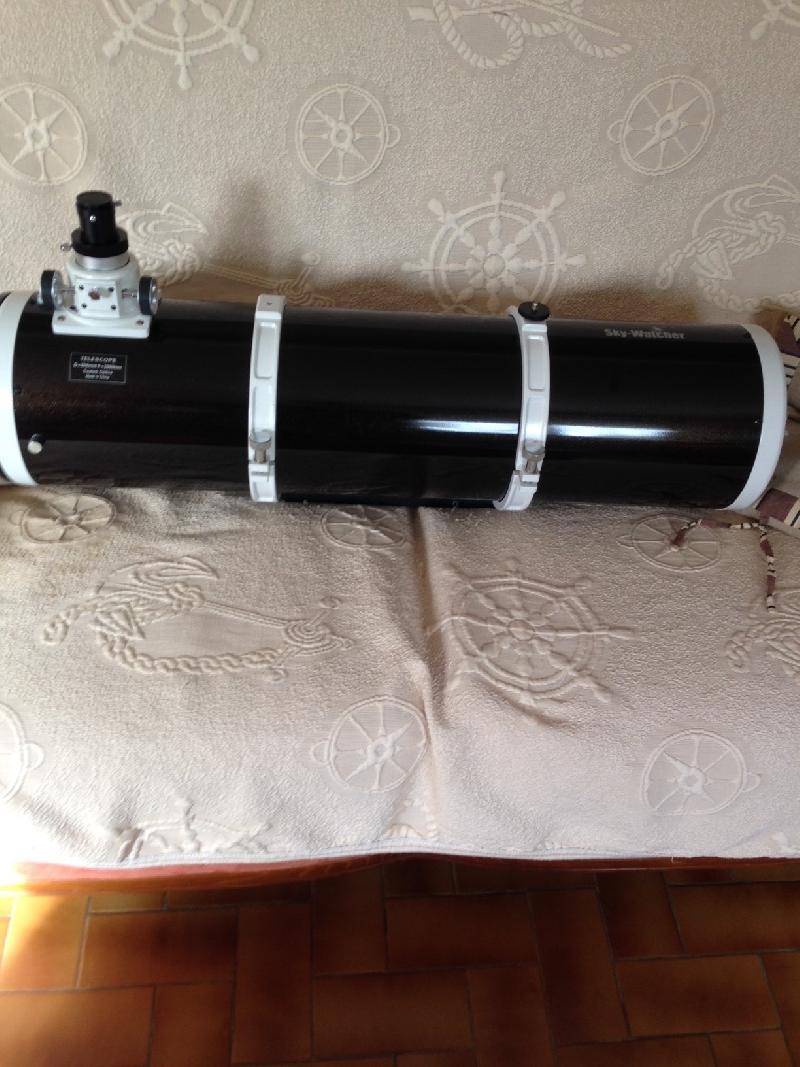 Tube Skywatcher Black diamond 200/1000 (prix négociable)