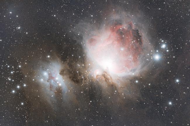 M42 à l'EOS 1300D / Skywatcher 80/600