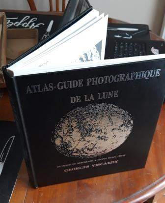 Atlas guide photographique de la lune par Georges Viscardy année 1984