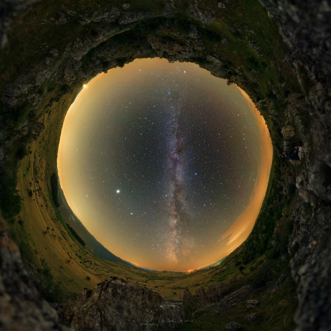 La Voûte Céleste à 360° au Chaos De Nîmes Le Vieux