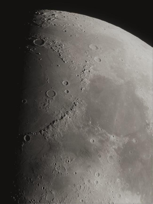 Lune - massifs montagneux