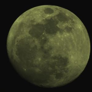 Lune teintée ?
