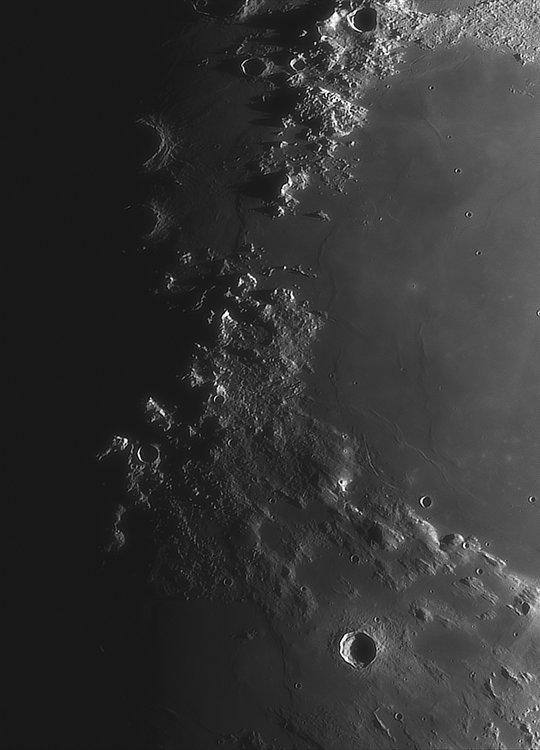 Moon_220624_ACx2-1758ap40_grad4_ap2009-astra1-gimp.jpg