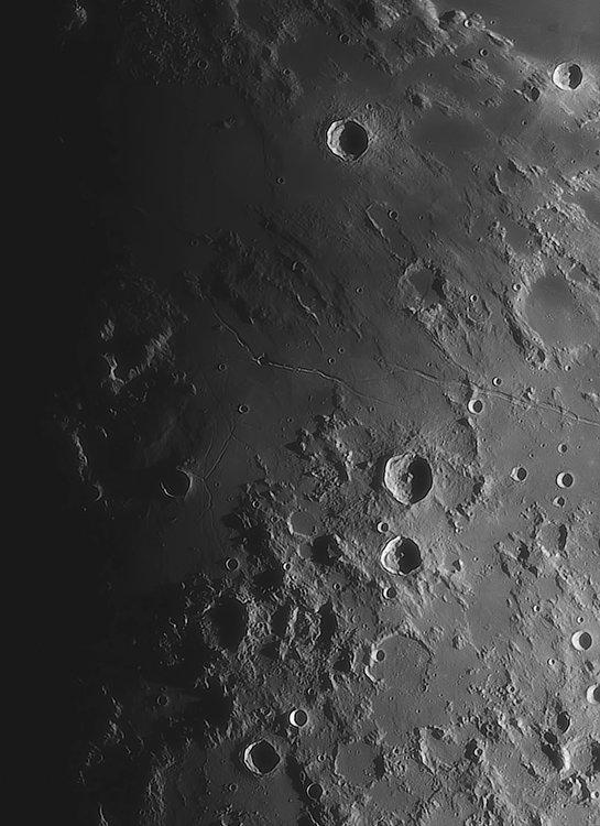 Moon_220819_ACx2-1846ap40_grad4_ap1959-astra2-gimp.jpg