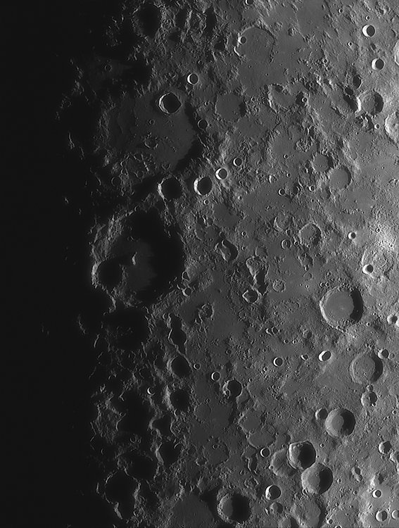 Moon_221006_ACx2-1617ap40_grad4_ap2171-astra1-gimp.jpg