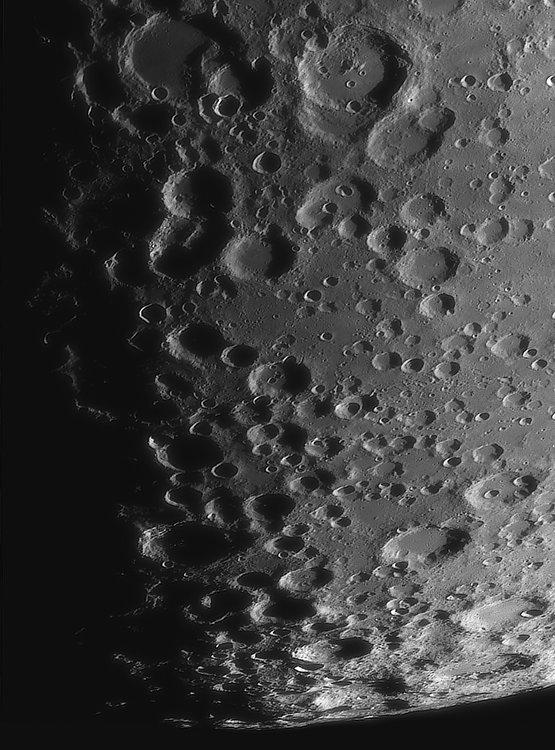 Moon_221335_ACx2-2003ap40_grad4_ap2171-astra1-gimp.jpg