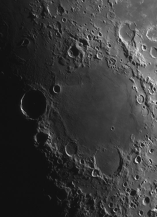 Moon_224920_ACx2-2164ap40_grad4_ap2120-astra1-gimp.jpg