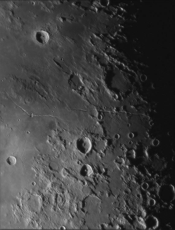 Moon_053529_newtonx2-818ap40_grad4_ap1927-astra1.jpg