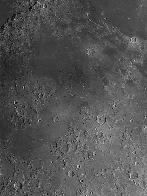 Moon_224625_ACx2-1064ap32_lapl4_ap3405-registax3.jpg