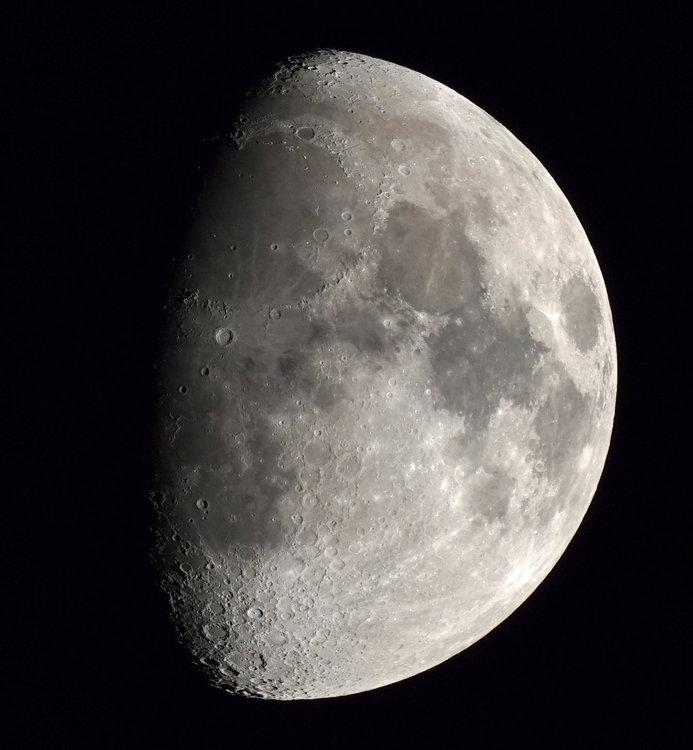 Lune 1000ISO 1_8000.jpg