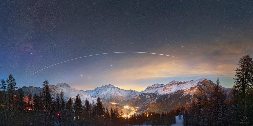 passage-ISS-light-E2.thumb.jpg.881e0d88c33a9978785e8320deab1ed9.jpg