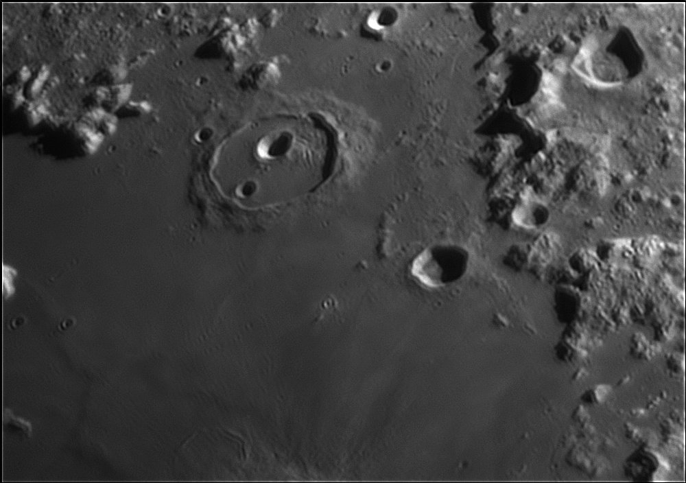 107265079_Moon_213959_120519_ZWOASI224MC_IR_680nm_AS_P40_lapl6_ap264.jpg.6773ffe1168a208b721c5645310577e9.jpg
