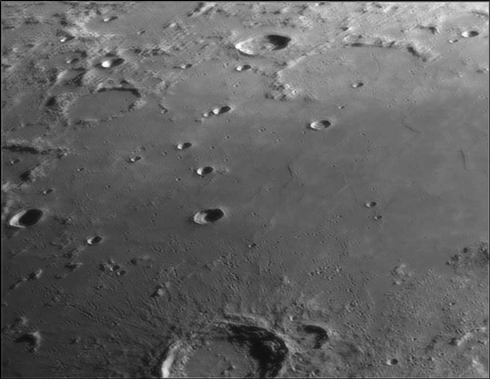 122183487_Moon_212318_110519_ZWOASI224MC_IR_630nm_AS_P40_lapl6_ap394.thumb.jpg.a93ab668895c8acbed285d93fca669aa.jpg