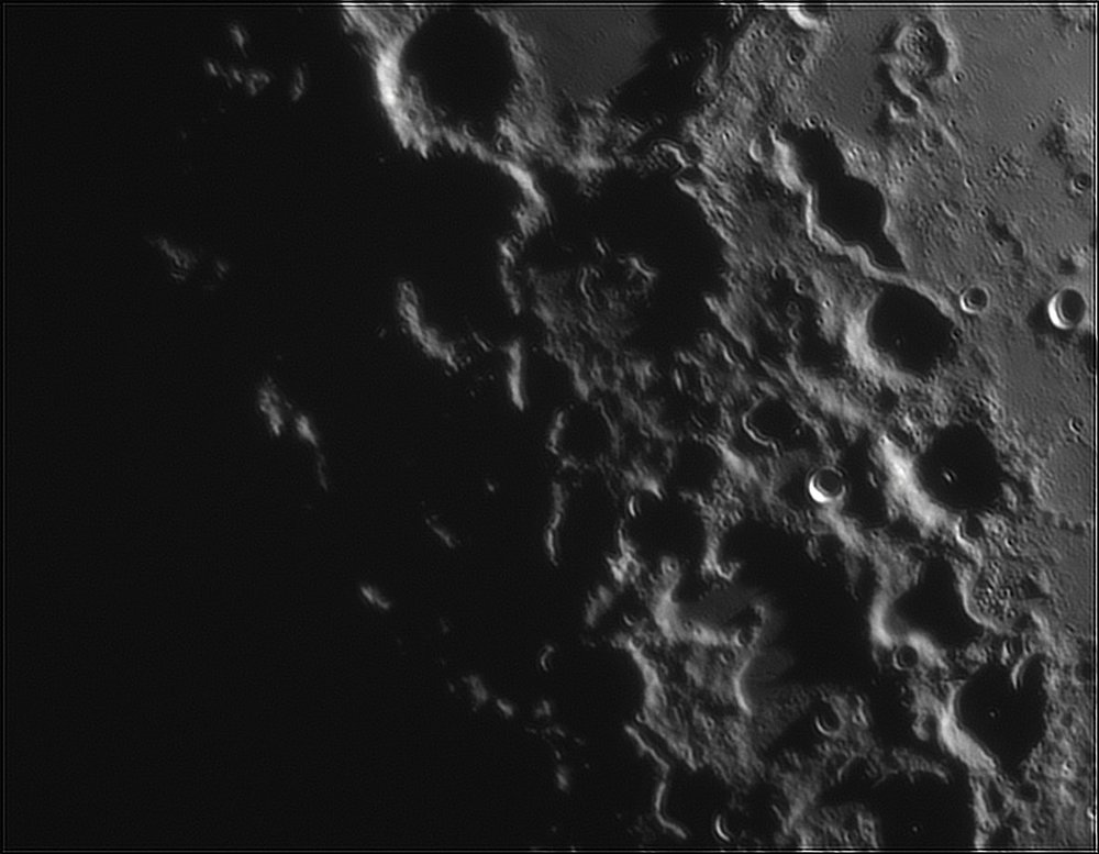 1323867688_Moon_212900_110519_ZWOASI224MC_IR_630nm_AS_P40_lapl6_ap50.thumb.jpg.2fc85e34a0ff74d1d85d9183232acf99.jpg