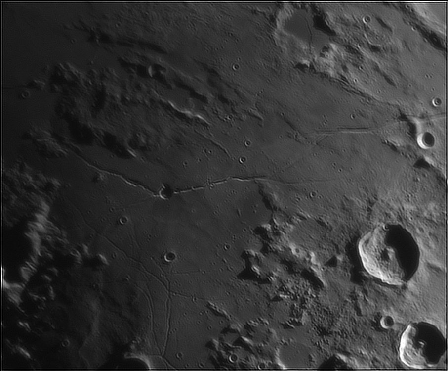 1840187621_Moon_213100_110519_ZWOASI224MC_IR_630nm_AS_P40_lapl6_ap178.thumb.jpg.e8de2bb36026b4c74c8b60e8c0d0b049.jpg