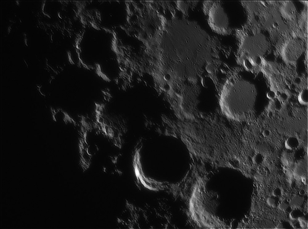 1955827390_Moon_213420_110519_ZWOASI224MC_IR_630nm_AS_P35_lapl4_ap595-.thumb.jpg.f34ae4b64bdb18d3fc907514221c5f34.jpg