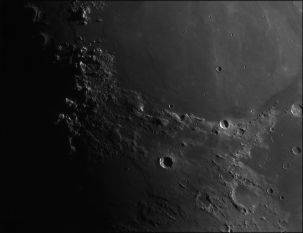 223207260_Moon_204001_110519_ZWOASI224MC_IR_630nm_AS_P35_lapl4_ap489.thumb.jpg.2bee32d30b6b44b327e74e4b2e9eacb7.jpg