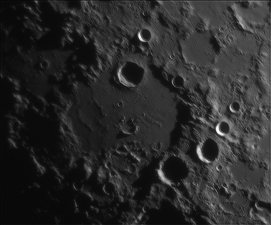 429203547_Moon_212826_110519_ZWOASI224MC_IR_630nm_AS_P40_lapl6_ap157.thumb.jpg.faf5dc033fe354dc201a850e56d0cbe6.jpg