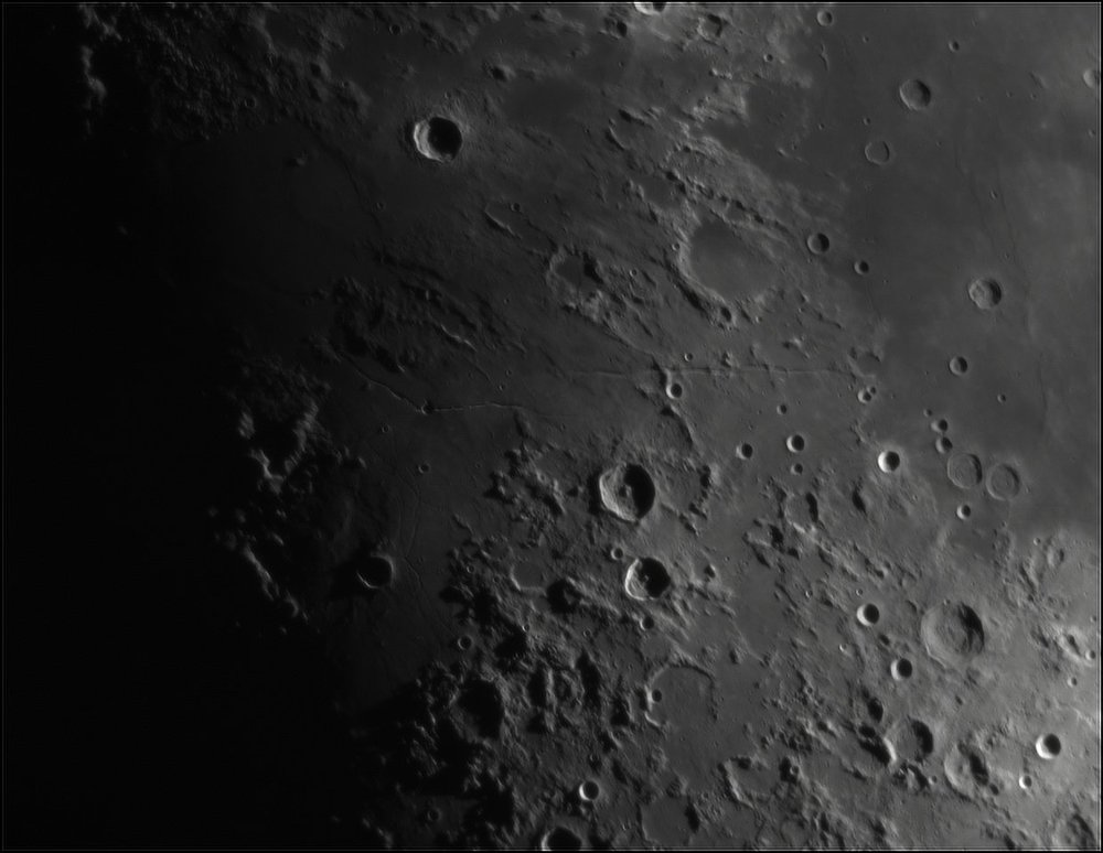652033778_Moon_205824_110519_ZWOASI224MC_IR_630nm_AS_P35_lapl4_ap378.thumb.jpg.34d9ac019836fde245c570f829ee3e7c.jpg