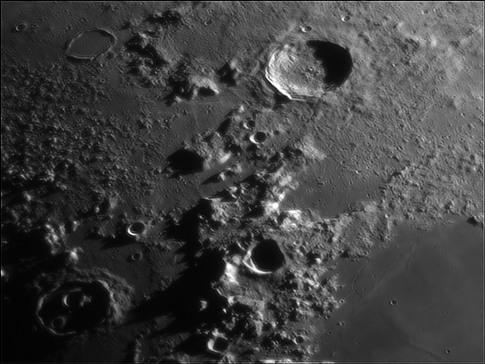 79166380_Moon_212437_110519_ZWOASI224MC_IR_630nm_AS_P40_lapl6_ap329.thumb.jpg.fb659985cdbf1ca8225a663446549616.jpg