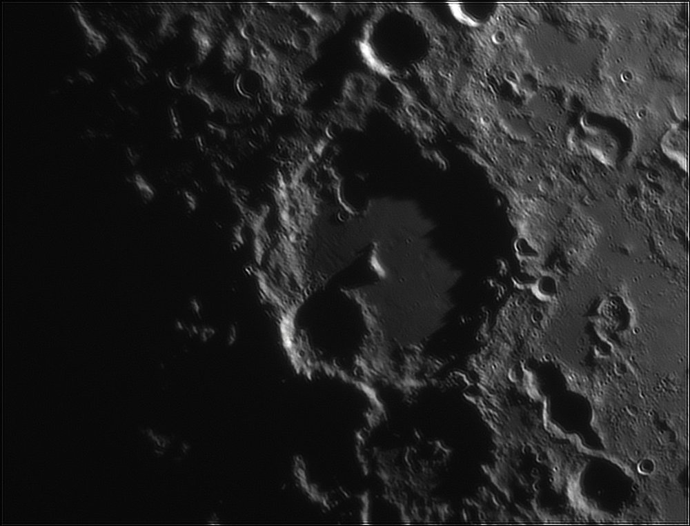 947379063_Moon_212843_110519_ZWOASI224MC_IR_630nm_AS_P40_lapl6_ap107.thumb.jpg.60b671aaf657eea92629f448e25fedb4.jpg