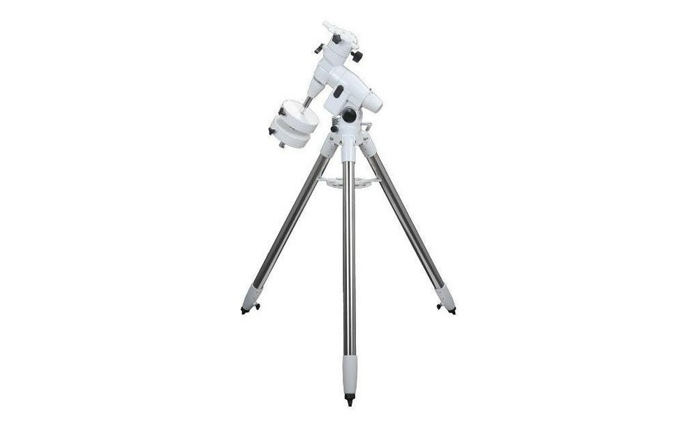 telescope-newton-sky-watcher-2001000-sur-neq5-motorisee.jpg