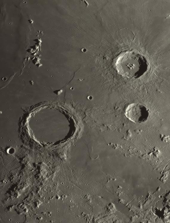 Moon_210744-modif_N300x2-344ap48_grad5_ap804-astra1-zoom.png